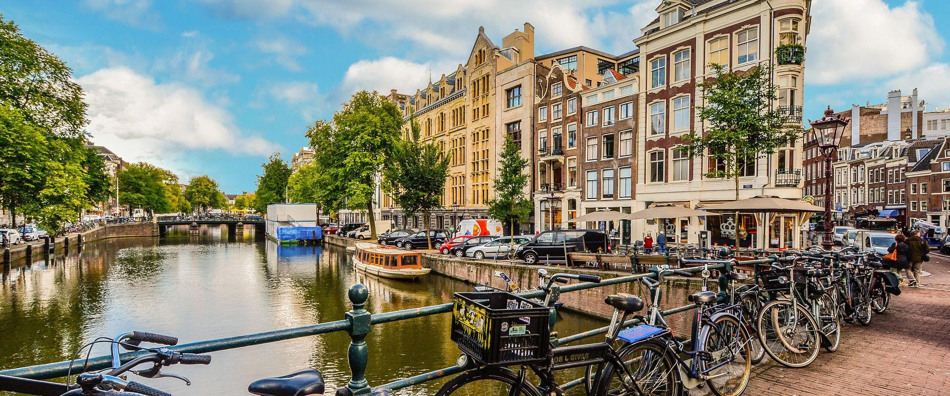 amsterdam-baslik.jpg